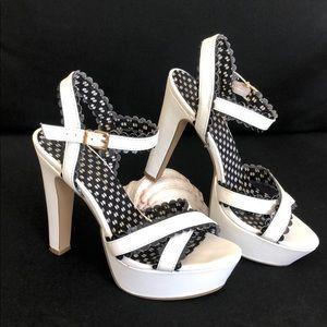 Jessica Simpson Platform Heels 👠 White/Black